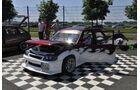 Opel Corsa auf Karo-Boden