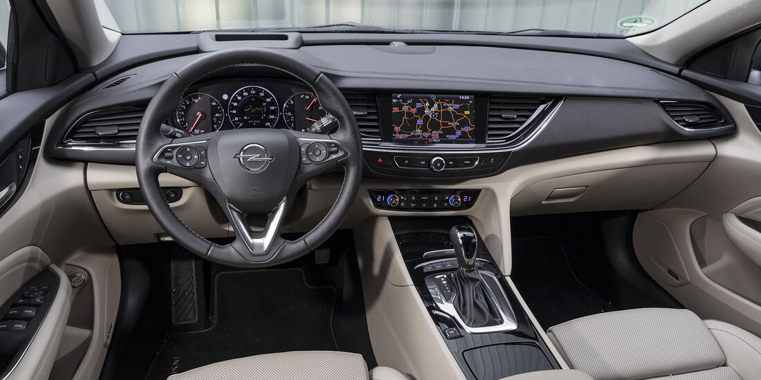Opel Insignia Country Tourer 2.0 DI Turbo 4x4, Interieur