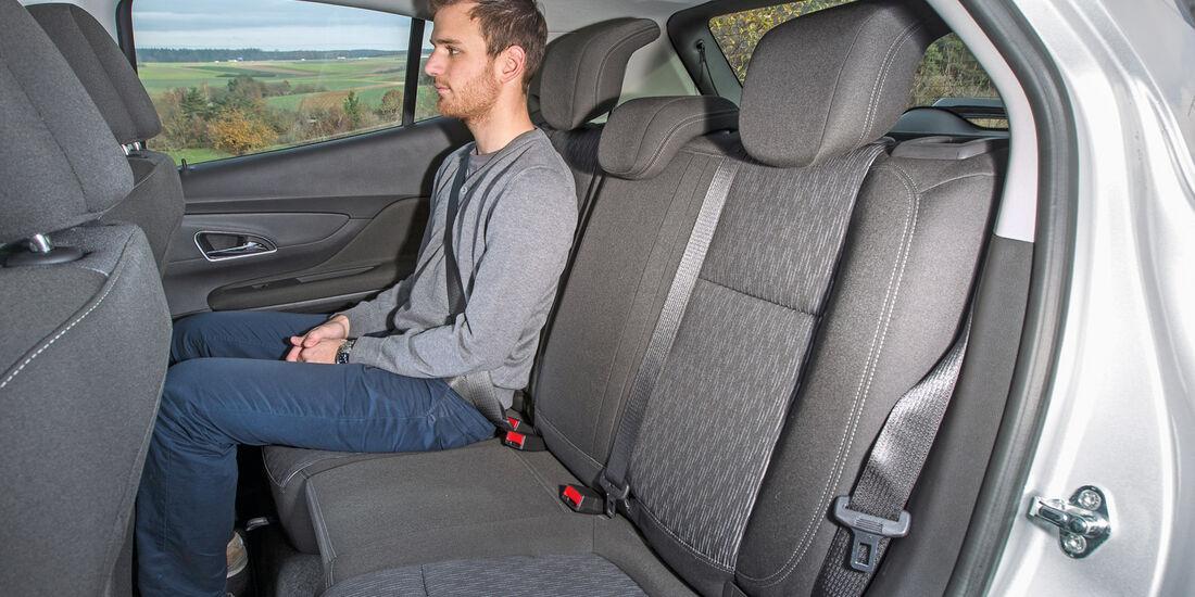 Opel Mokka 1.7 CDTi, Rücksitz, Beinfreiheit