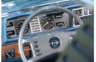 Opel Monza 3.0 E, Lenkrad, Rundinstrumente
