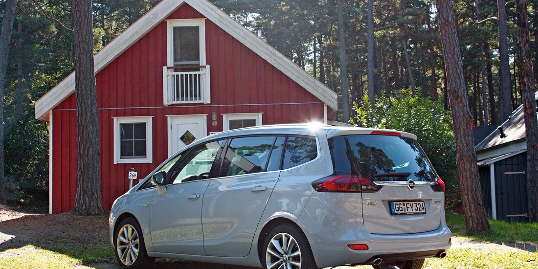 Opel Zafira Tourer 2.0 CDTI Biturbo, Heckansicht