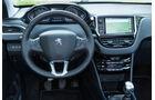 Peugeot 2008 e-HDi 115, Cockpit, Lenkrad