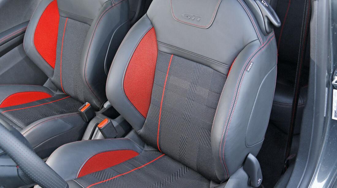 Peugeot 208 GTi, Fahrersitz