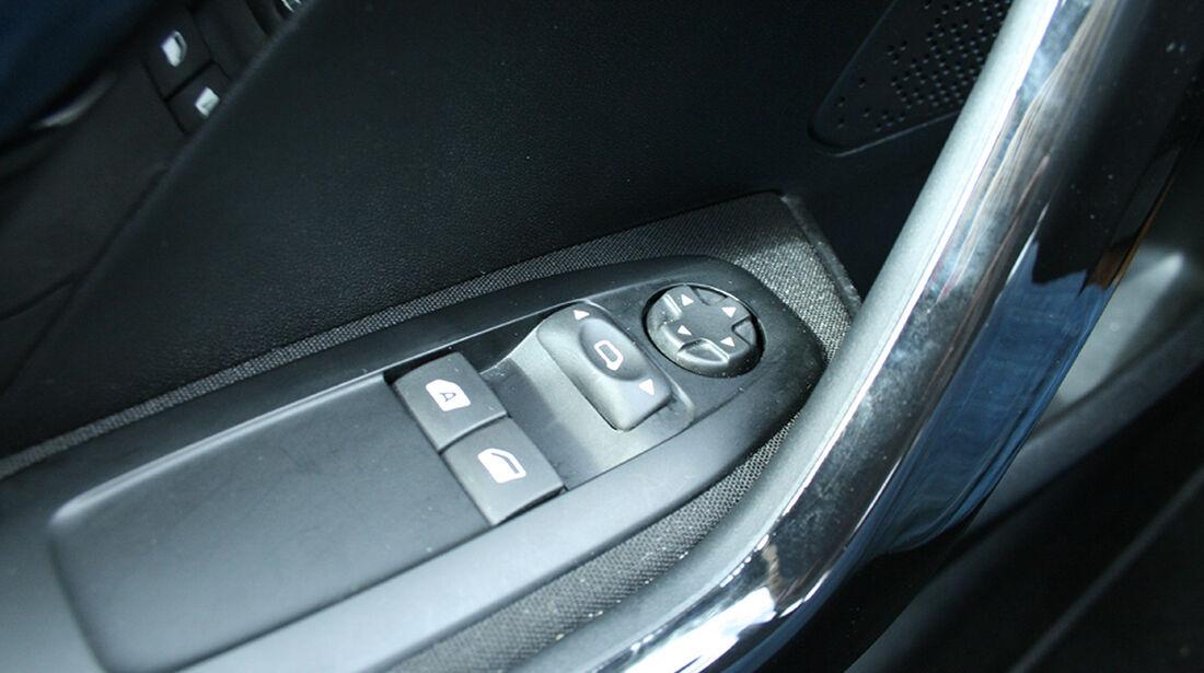 Peugeot 208, Innenraum-Check, elektrische Außenspiegelverstellung
