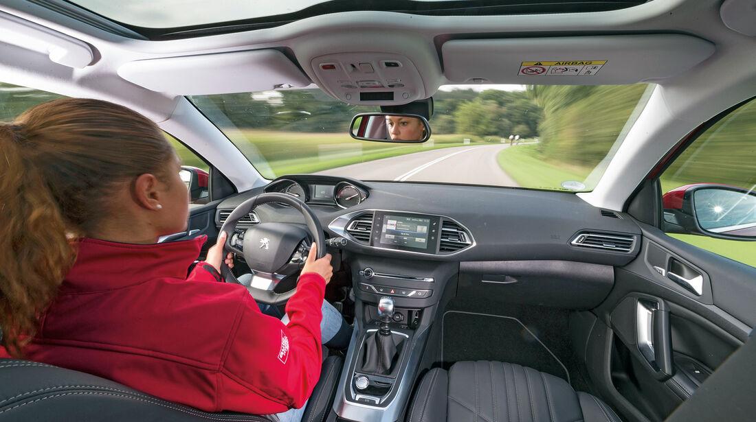 Peugeot 308 125 THP, Cockpit