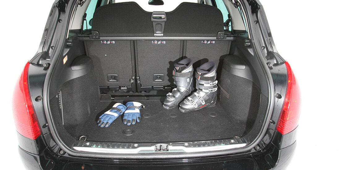 Peugeot 308 SW HDi FAP 140 Platinum Kofferraum