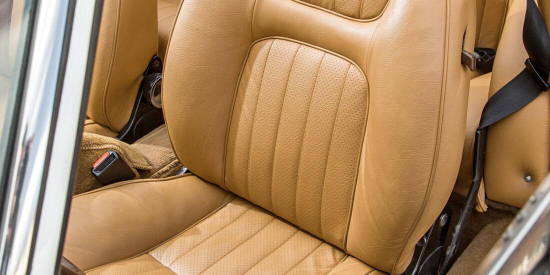 Peugeot 504 TI Cabrio, Fahrersitz