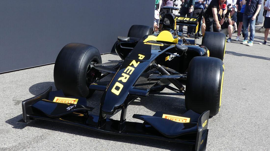 Pirelli F1-Showcar - 2017er Reifen - GP Monaco 2016