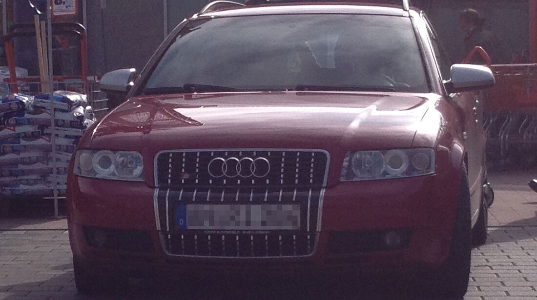 Plakettengrill-Fake Audi