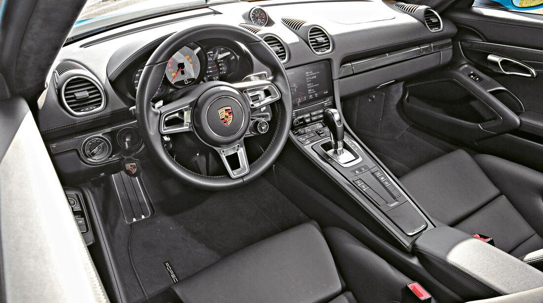 Porsche 718 Cayman S, Cockpit