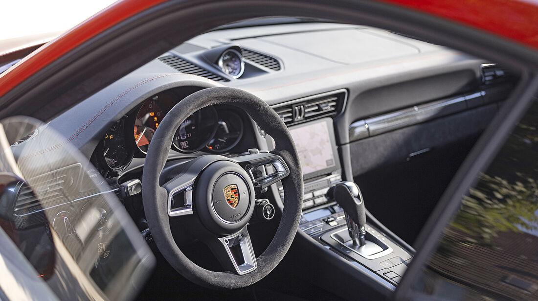 Porsche 911 Carrera GTS, Interieur
