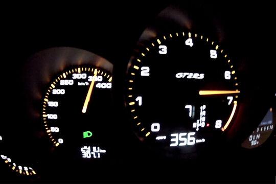 Porsche 911 GT2 RS 991 Vmax 356 km/h