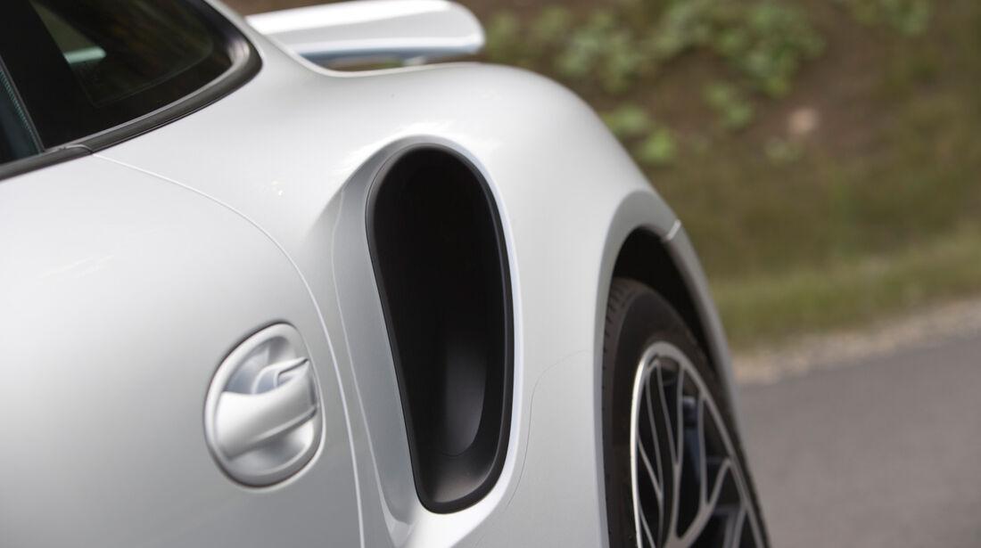 Porsche 911 Turbo S, Luftschlitz