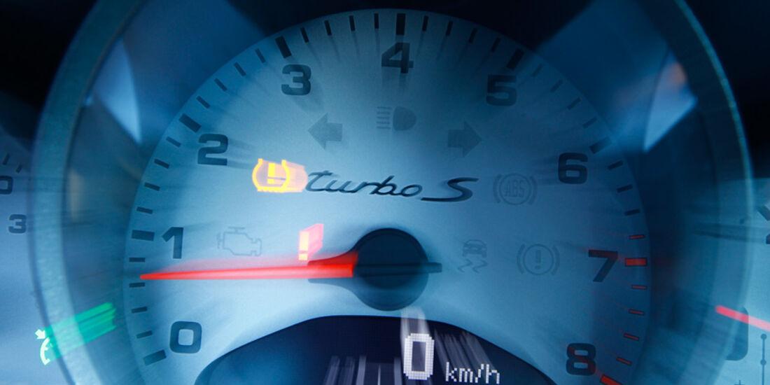 Porsche 911 Turbo S, Tacho