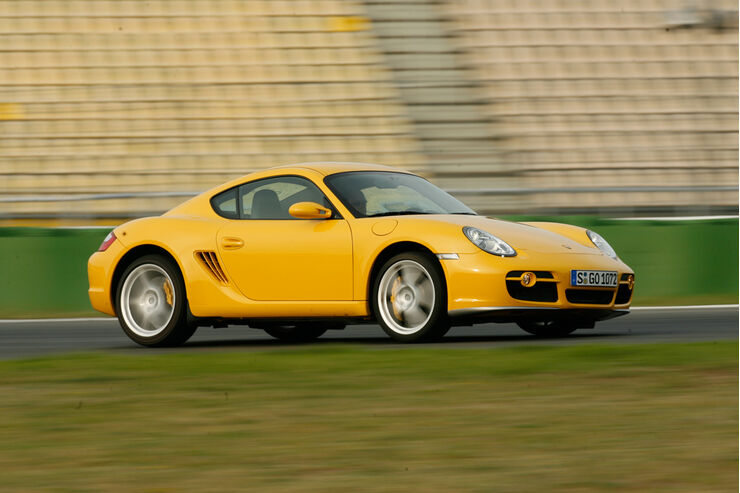 Porsche Cayman S 16