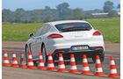 Porsche Panamera S E-Hybrid, Heckansicht, Bremstest