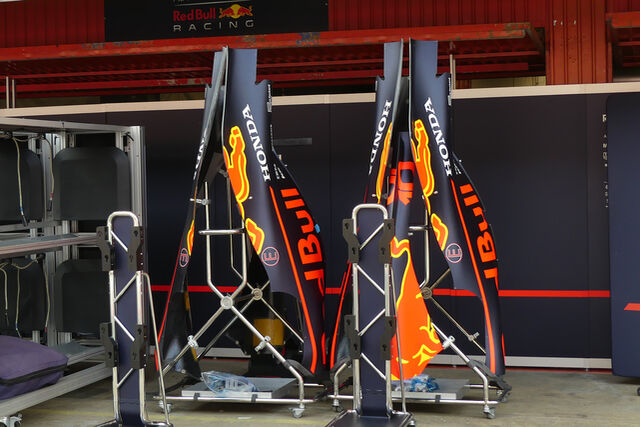 https://imgr3.auto-motor-und-sport.de/Red-Bull-Formel-1-GP-Spanien-Barcelona-8-Mai-2019-bigMobile2x-fa3c060c-1555098.jpg