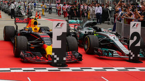 Red Bull & Mercedes - GP Malaysia 2017