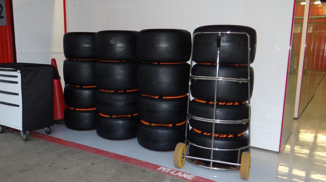 Reifen - Formel 1 - Test - Barcelona - 22.Februar 2013