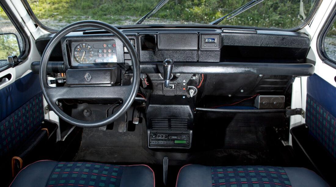 Renault 4, Cockpit