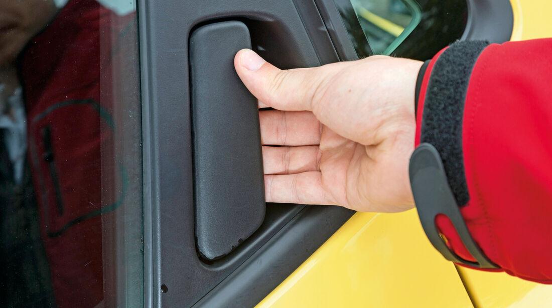 Renault Clio 1.2 16V 75, Seitentür, Griff