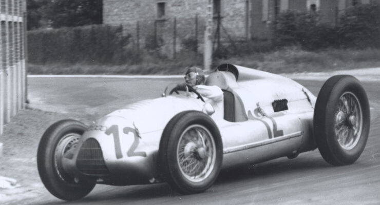 Rennreifen der 30er Jahre, Auto Union Typ D