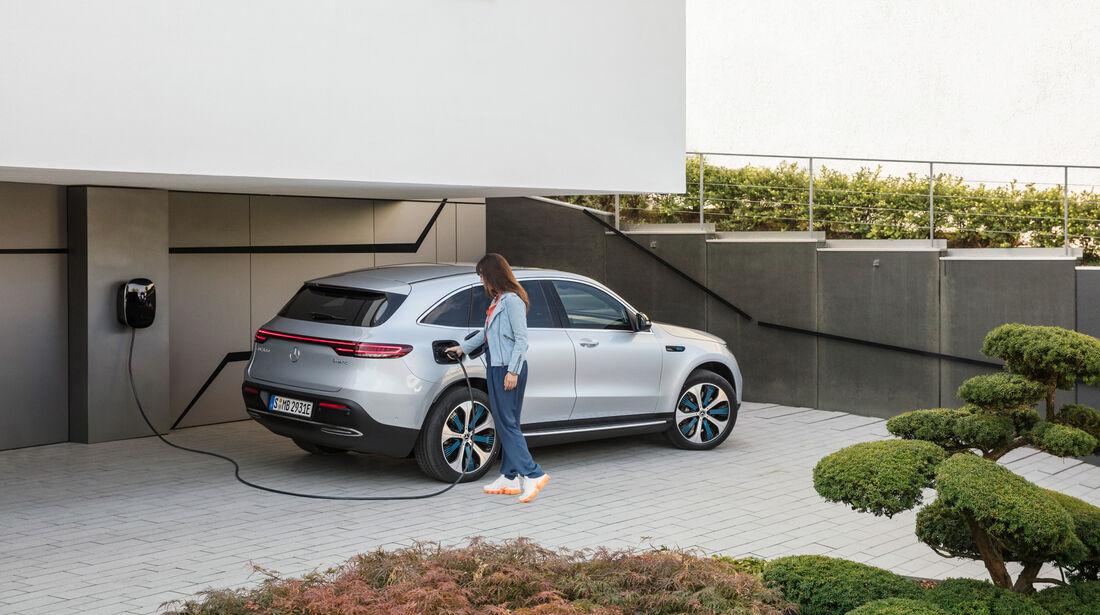 SPERRFRIST 04.09.2018 / 19 Uhr Mercedes EQC 400 Premiere Neuvorstellung 2018