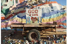 Salvation Mountain Cars, God-is-Love-Anhänger