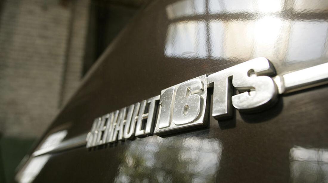 Schriftzug am Heck eines Renault 16 TS
