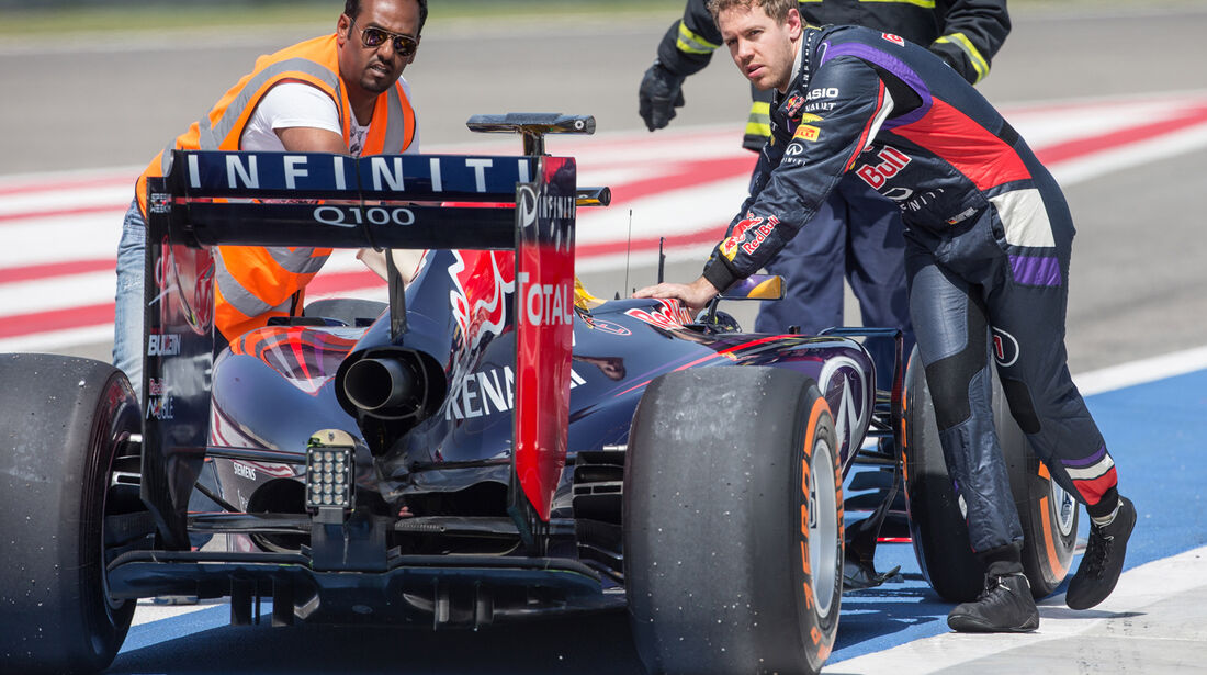 Sebastian Vettel - Danis Bilderkiste - Bahrain-Test 2014