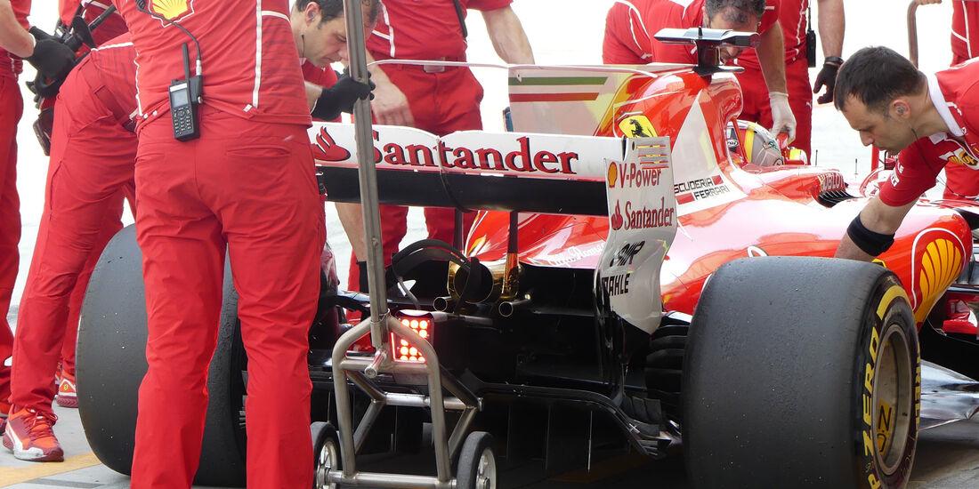 Sebastian Vettel - Ferrari - Formel 1 - Testfahrten - Bahrain - Mittwoch - 19.4.2017