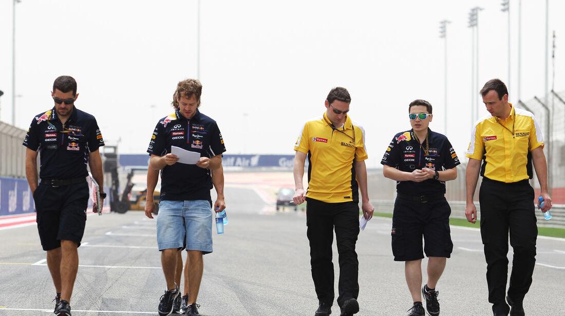 Sebastian Vettel - Red Bull - Formel 1 - GP Bahrain - Sakhir - 3. April 2014