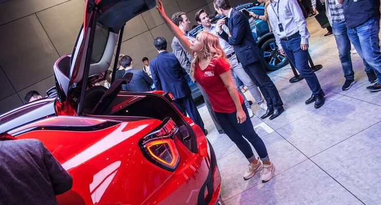 Shanghai Auto Show 2017 Sitzprobe Lynk 01