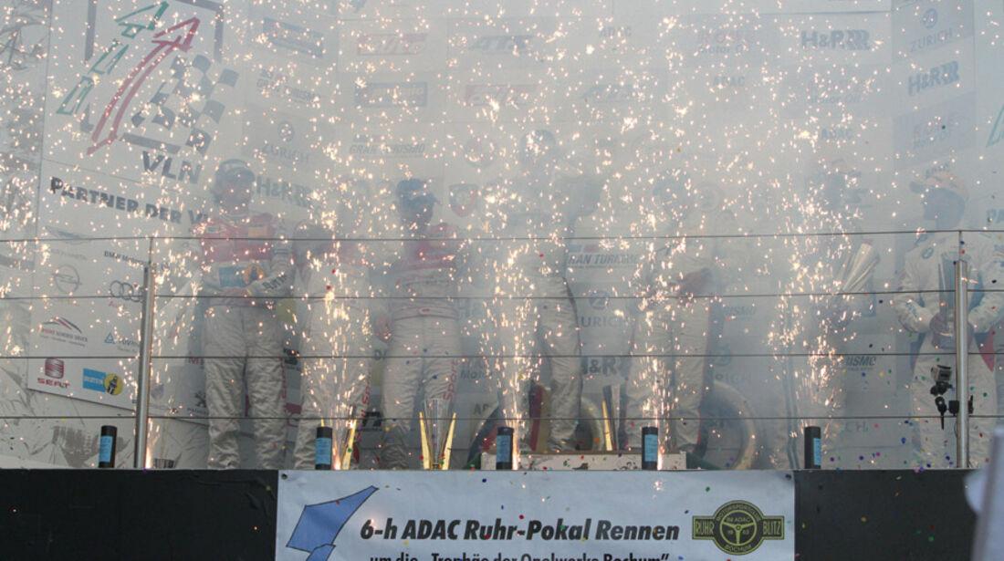 Siegerehrung, Podium, Feuerwerk, VLN, Langstreckenmeisterschaft, Nürburgring