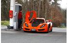 Sin Cars Sin R1, Frontansicht, Tankstelle