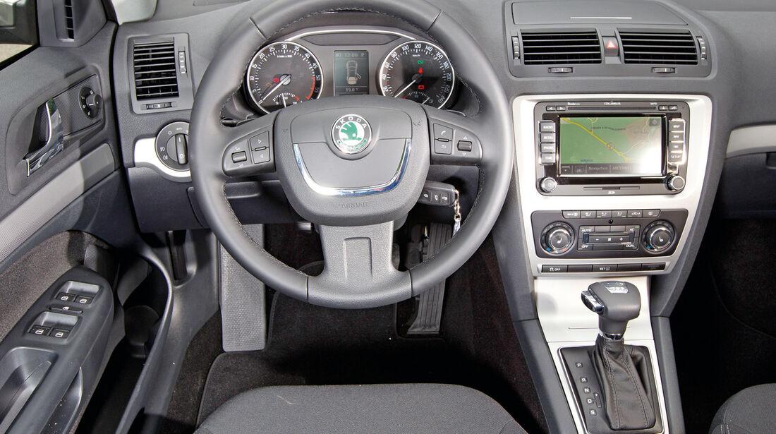 Skoda Octavia Combi 2.0 TDI, Cockpit