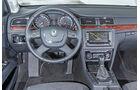 Skoda Superb Combi 2.0 TDI, Lenkrad, Cockpit