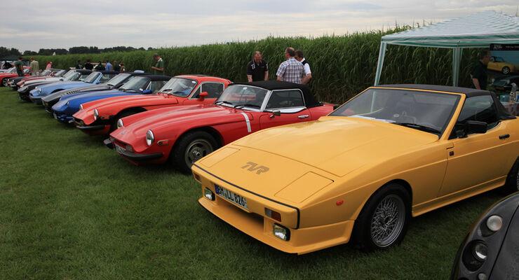 Sportwagen, verschiedene Fahrzeuge