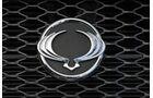 Ssangyong Korando 2.0 E-Xdi, Emblem, Kühler