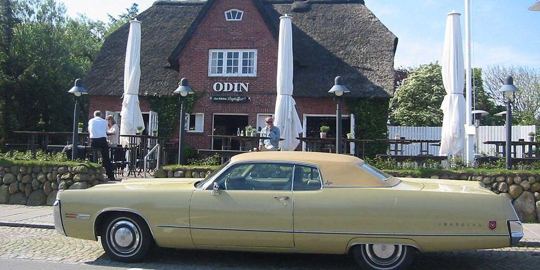 Startnummer 134: Stephan Moeller und Daniel Bock im Chrysler Imperial, 7,1 Liter, V8, 265 PS, Baujahr 1972.