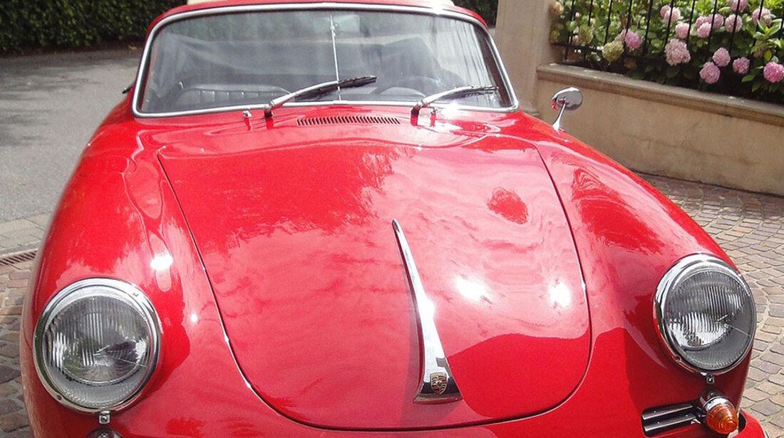 Startnummer 99: André und Hajo Riesenbeck im Porsche 356, 1,6 Liter, 4-Zyl. Boxer, 75 .PS, Baujahr 1961.