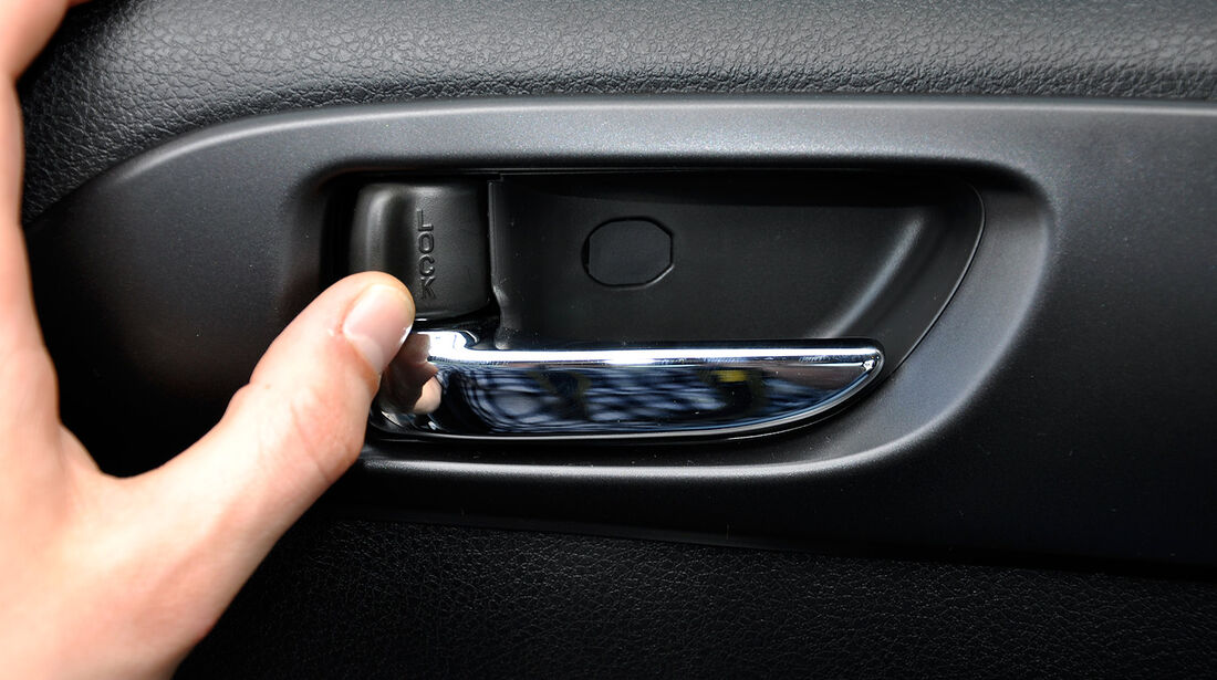 Subaru WRX STi, Türverriegelung
