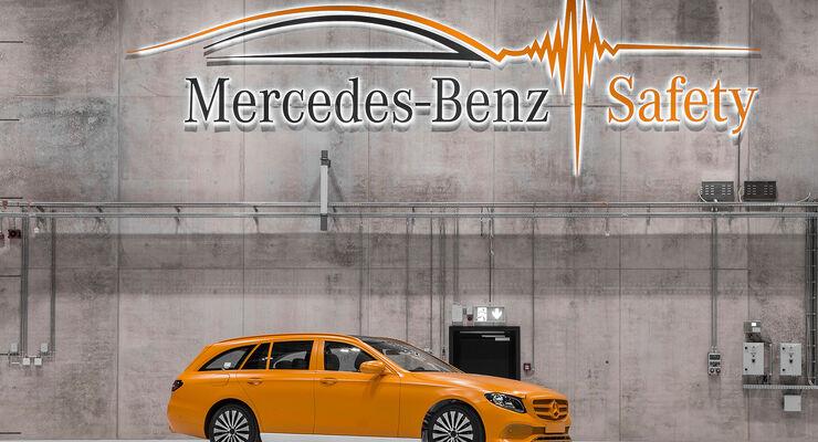 Technologiezentrum Fahrzeugsicherheit (TFS) Daimler, Crashtest