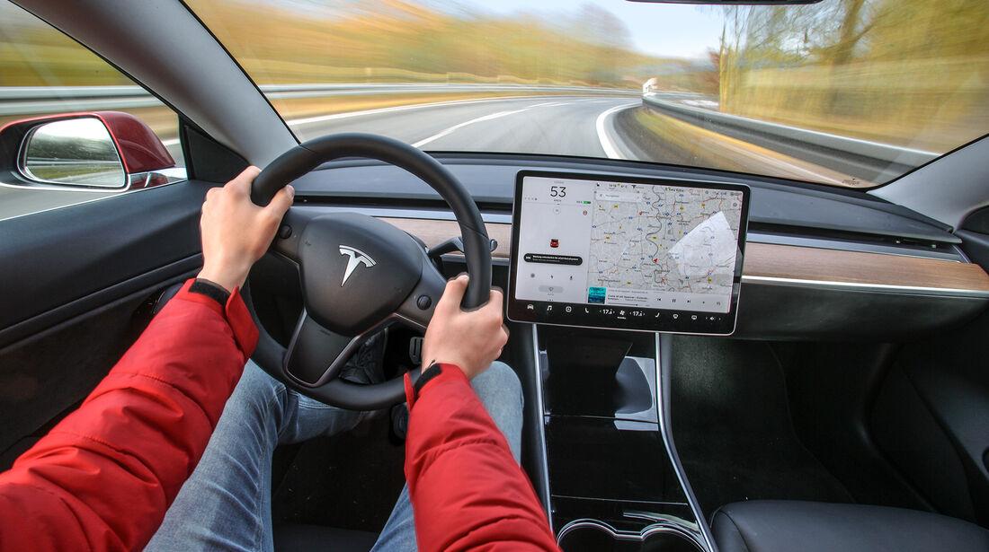 Tesla Model 3, Interieur