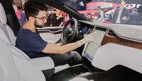 Tesla Model X, Sitzprobe, Genfer Autosalon, 03/2016