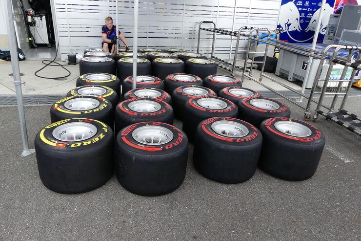 https://imgr3.auto-motor-und-sport.de/Toro-Rosso-GP-Japan-Suzuka-Mittwoch-3-10-2018-fotoshowBig-b3b95acd-1192519.jpg