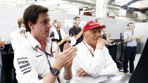 Toto Wolff & Niki Lauda - Mercedes - Formel 1 - GP Bahrain - 18. April 2015