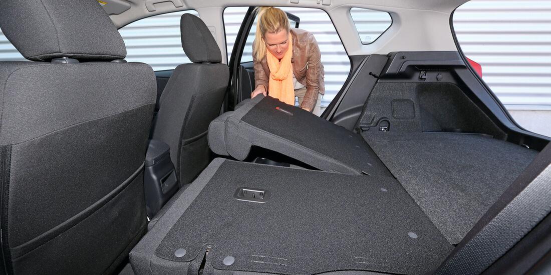 Toyota Auris 2.0 D-4D, Rücksitz, Umklappen