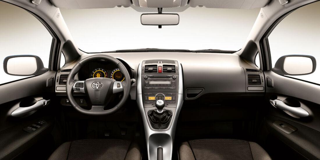 Toyota Auris, Cockpit, Life-Ausstattung