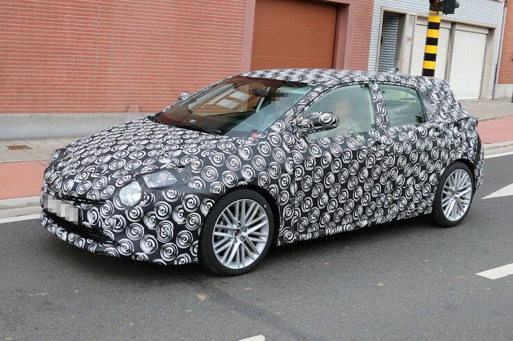 Toyota Auris Erlkönig